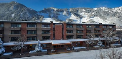 Aspen aspensquarehotel1