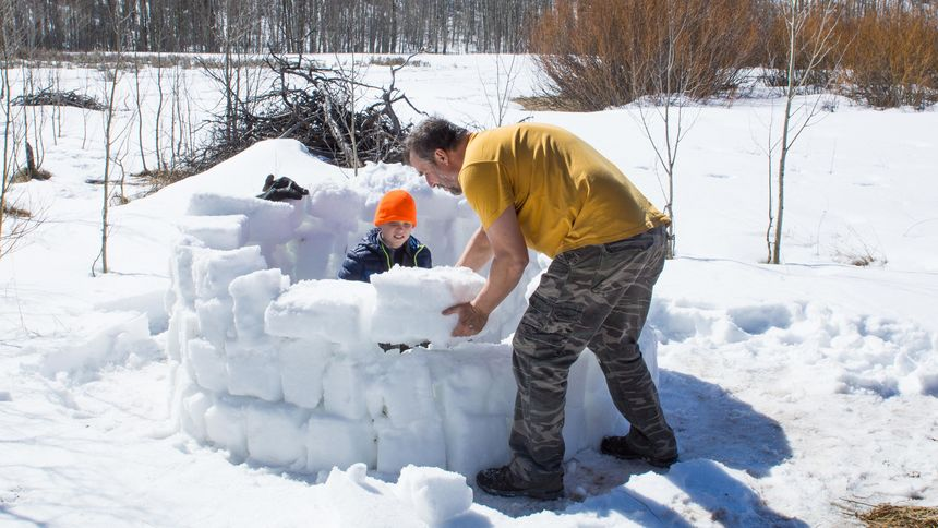 building igloo family