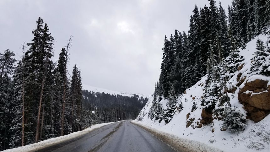 clear roads on highway 6 over Loveland pass